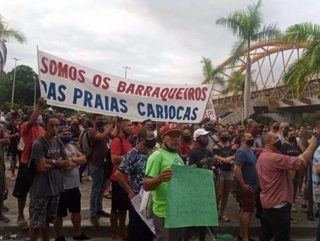 Barraqueiros e comerciantes fazem protesto na frente da Prefeitura do Rio contra medidas restritivas