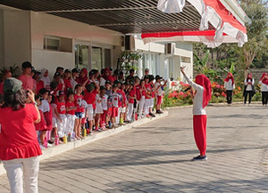 Feiertage in Indonesien: Der Unabhängigkeitstag auf Lombok erinnert an Karneval