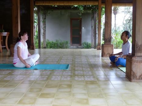 Yoga auf Bali oder in Hamburg - und jetzt virtuell statt spirituell, geht das überhaupt?