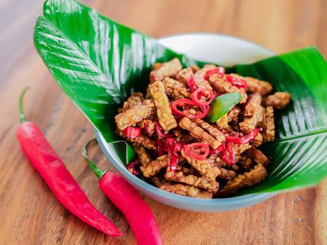 Gut gegen Fernweh: 38 indonesische Rezepte von Bali, Java und Sumatra