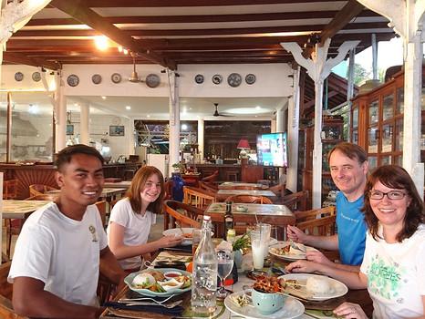 Endlich zu viert: Wiedersehen auf Lombok in der Corona-Zeit