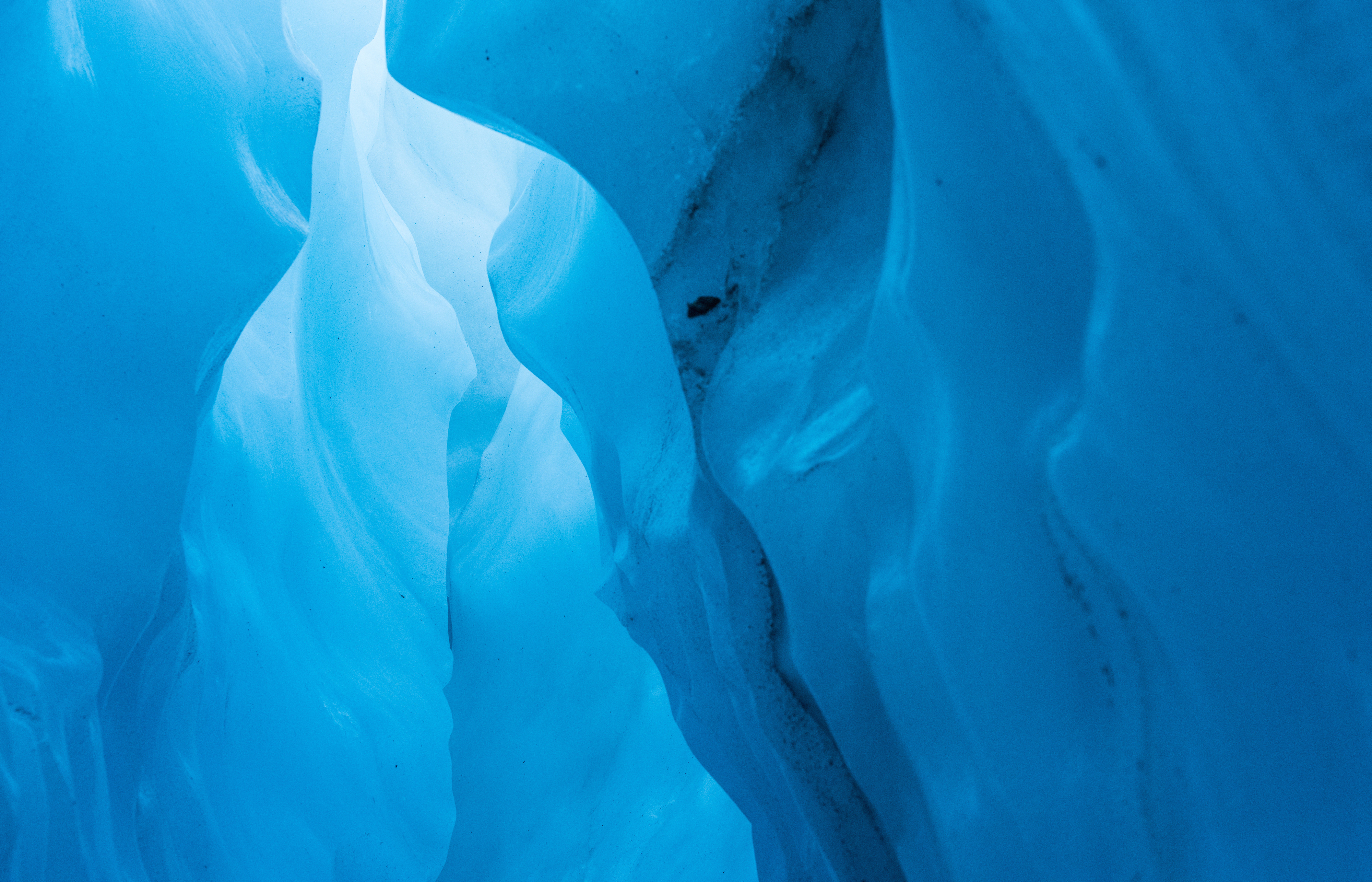 The_Kiss_Ice_Cave_©_Denesa_Chan_Photography_South_Island_New_Zealand-4650_copy
