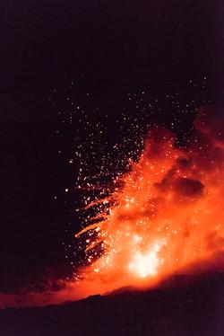 Moo Denesa Chan Photographer Hawaii Volcano Ocean Entry Explosion-1734 72 dpi