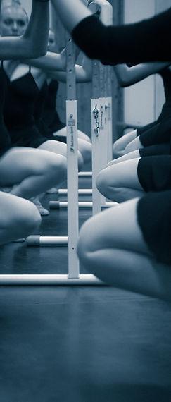Balettklass på dansskolan.