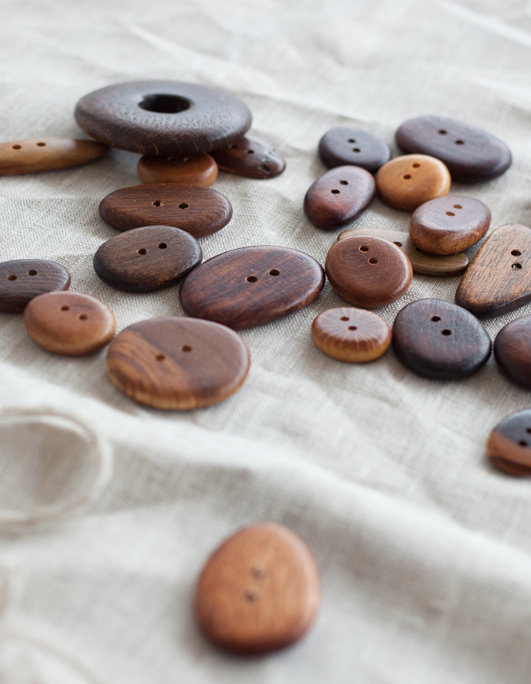 Handcrafted wood buttons. littlecrow design.
