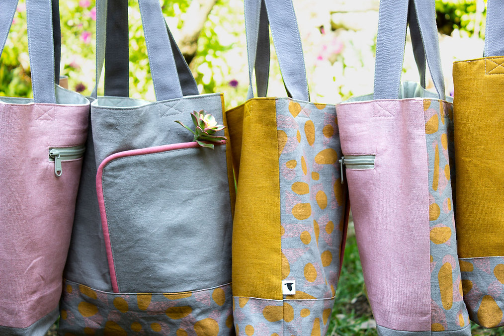 BLOSSOM Shoulder Bags