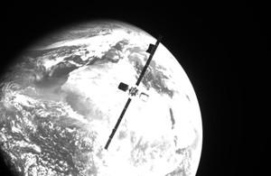 Image of Intelsat 10-02 taken by MEV-2 (Image courtesy of Northrup Grumman)