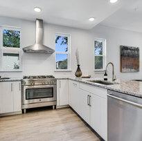101 Kitchen 1.jpg