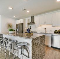 202 Kitchen 2.jpg