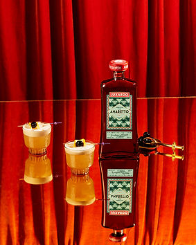 Lux200-Cocktail_BookAmaretto_Sour1800-2.