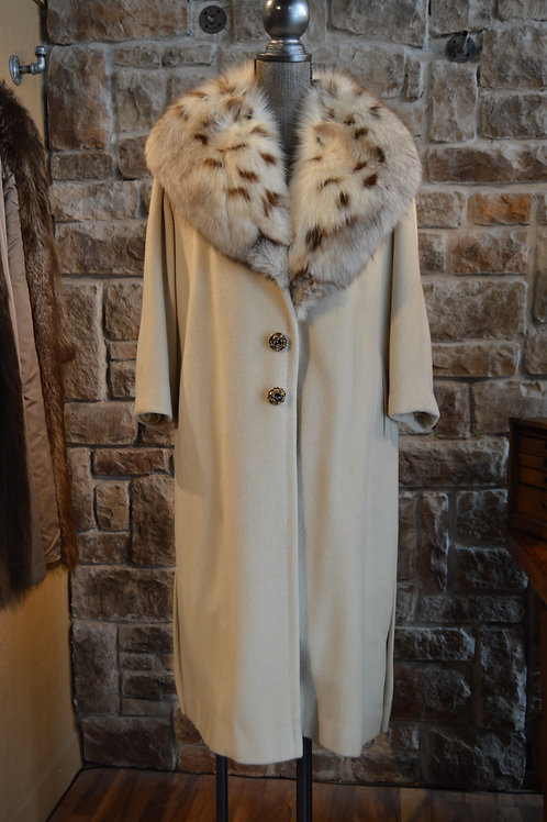 Small Cashmere Coat with Fox Collar