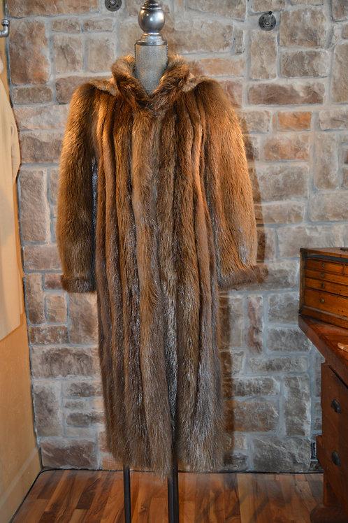 Small Beaver Full-length Coat with Detachable Hood