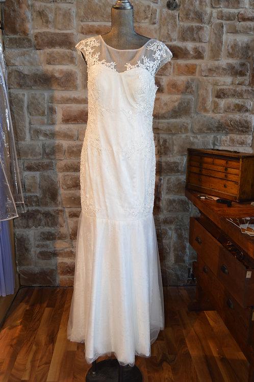 Large Ivory Sleeveless Full-length Ball Gown