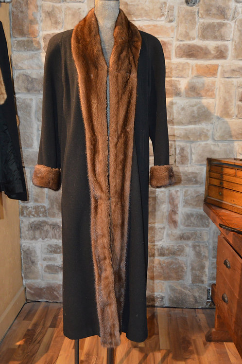 Large Wool Cashmere Coat with Mink Trim