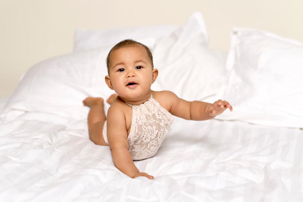 lapsikuvaus yksivuotiskuvaus kouvola valokuvaaja kouvola valokuvaus studiokuvaus.jpg