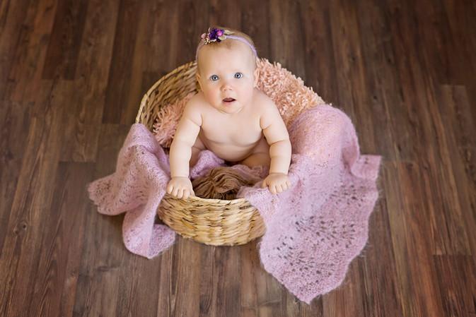 vauvakuvaus lapsikuvaus valokuvaaja kouvola valokuvausstudio.jpg