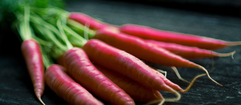 How to Grow Atomic Red Carrots From Seeds