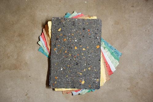 Papel colorido reciclado / A4 / borda rústica / 20 folhas avulsas