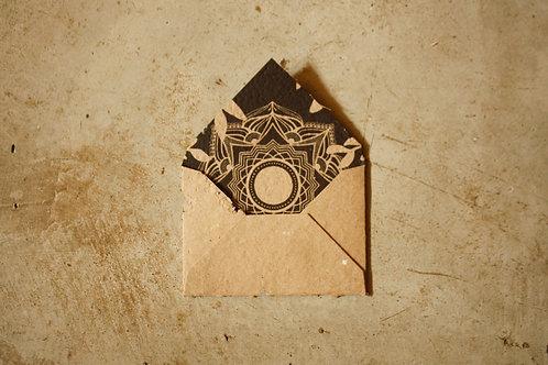 Envelope Mandala Sombras / A6 / Kraft /por Flora Schneider