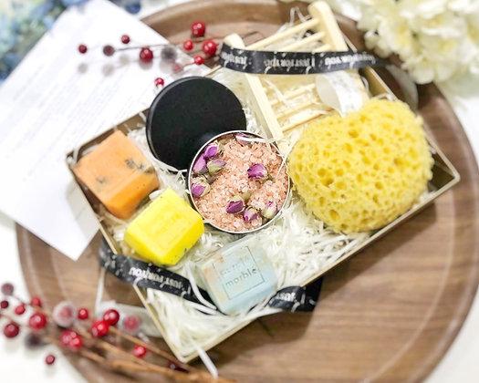 Mini Pamper Hamper | Birthday Gift | 6 luxury Products