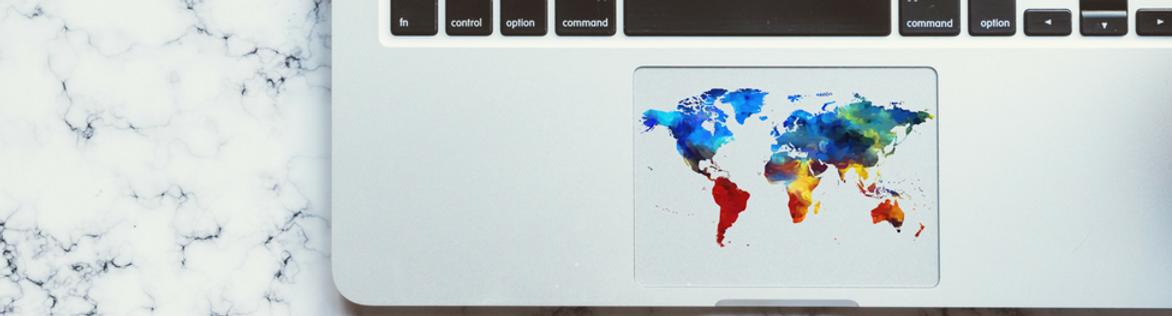 clavier avec carte du monde