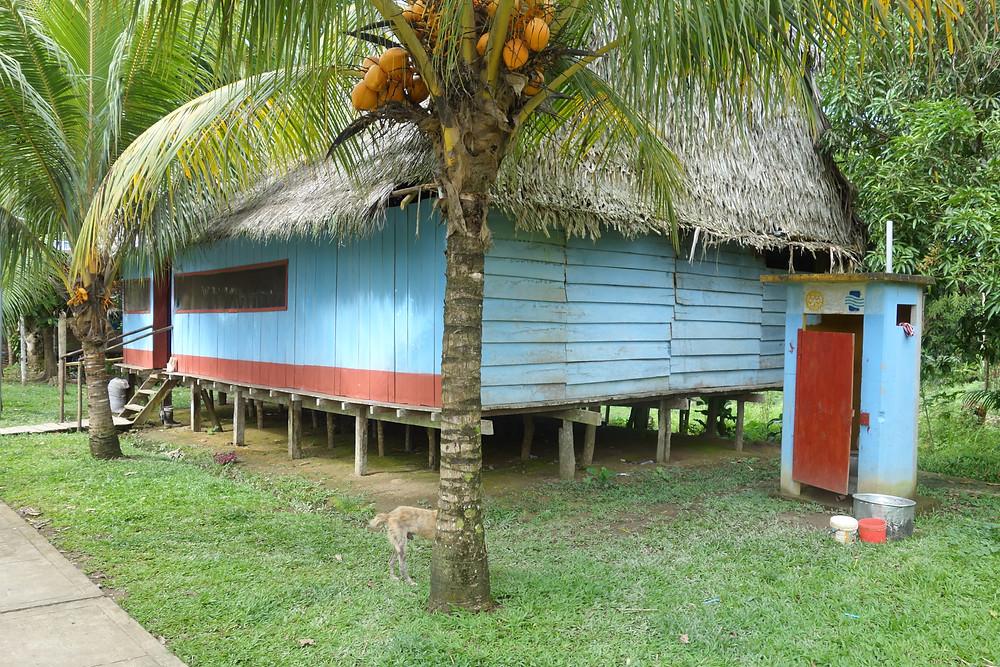 maison colorée dans le village