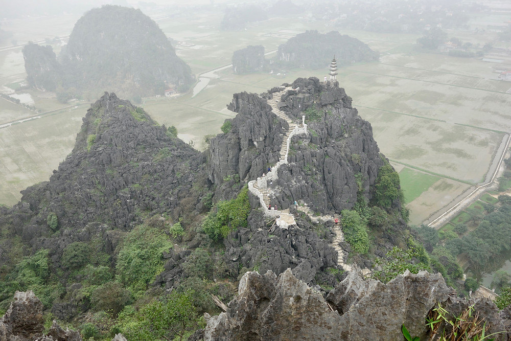 Mua Caves landscape