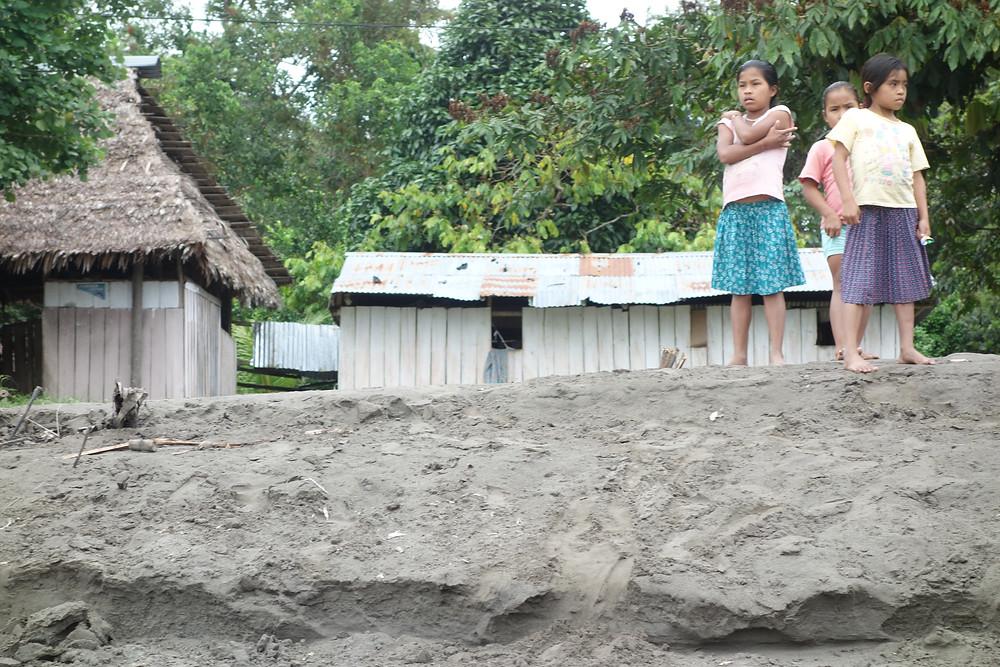 Village le long du Rio Napo