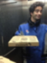 Fabien en livreur Dominos Pizza