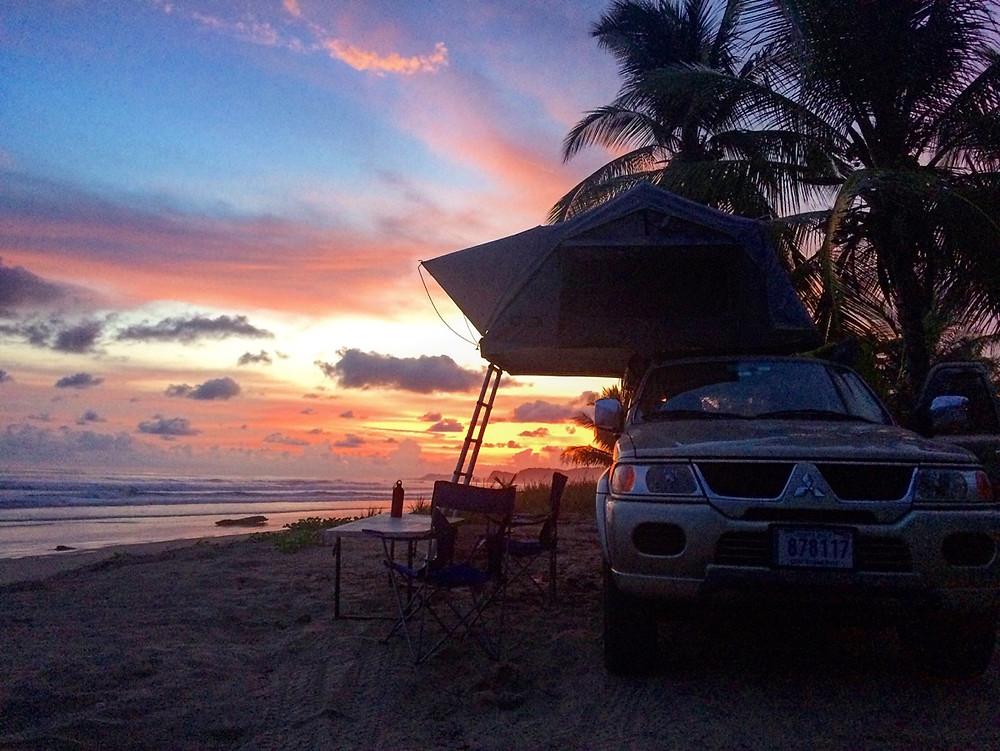 Sunset playa coyote