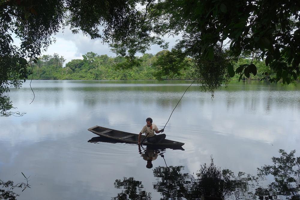 René qui pêche le piranha
