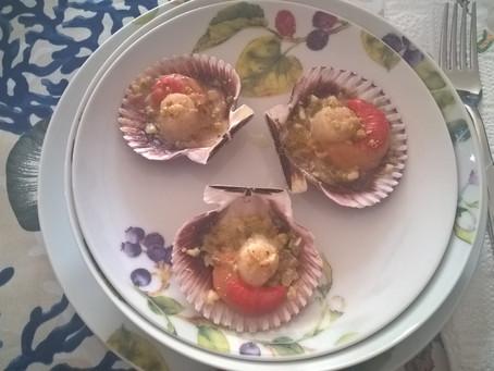 Capesante con granella di pistacchio e mandorle