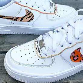 Nike air force 1 customized tijger en panterprint op nike logo
