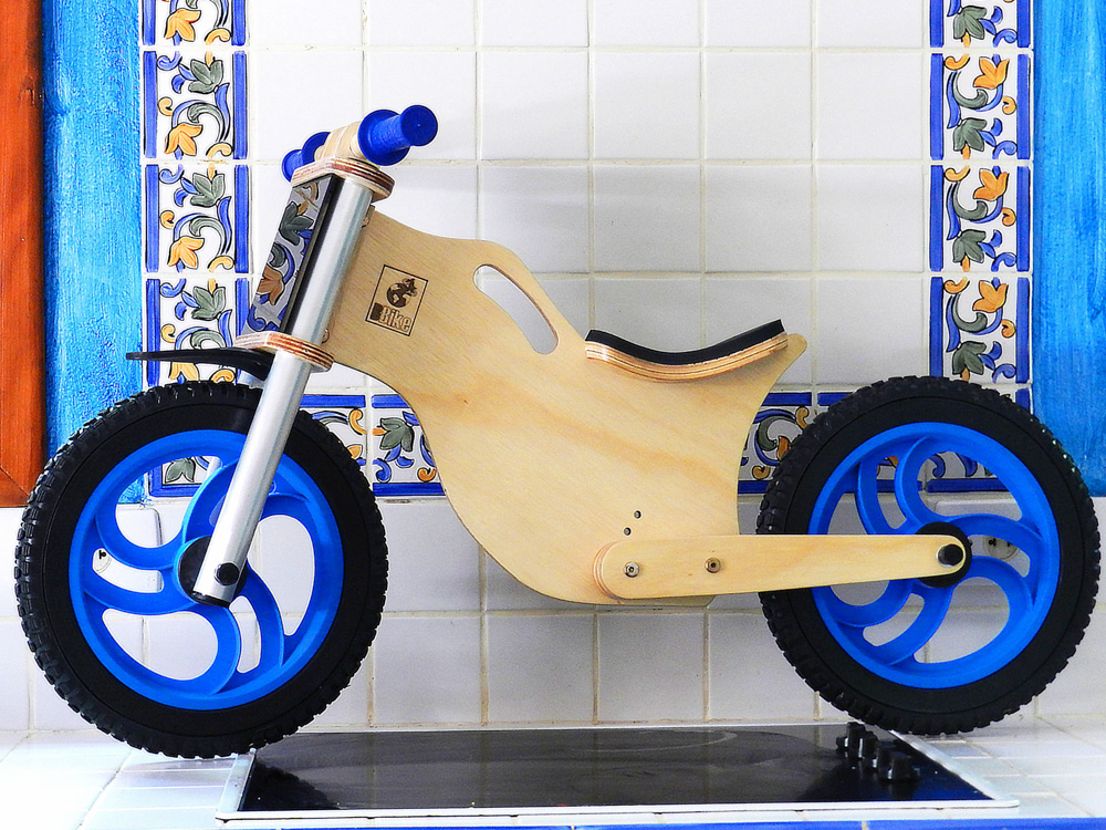 Bicicleta sem pedal BBike azul