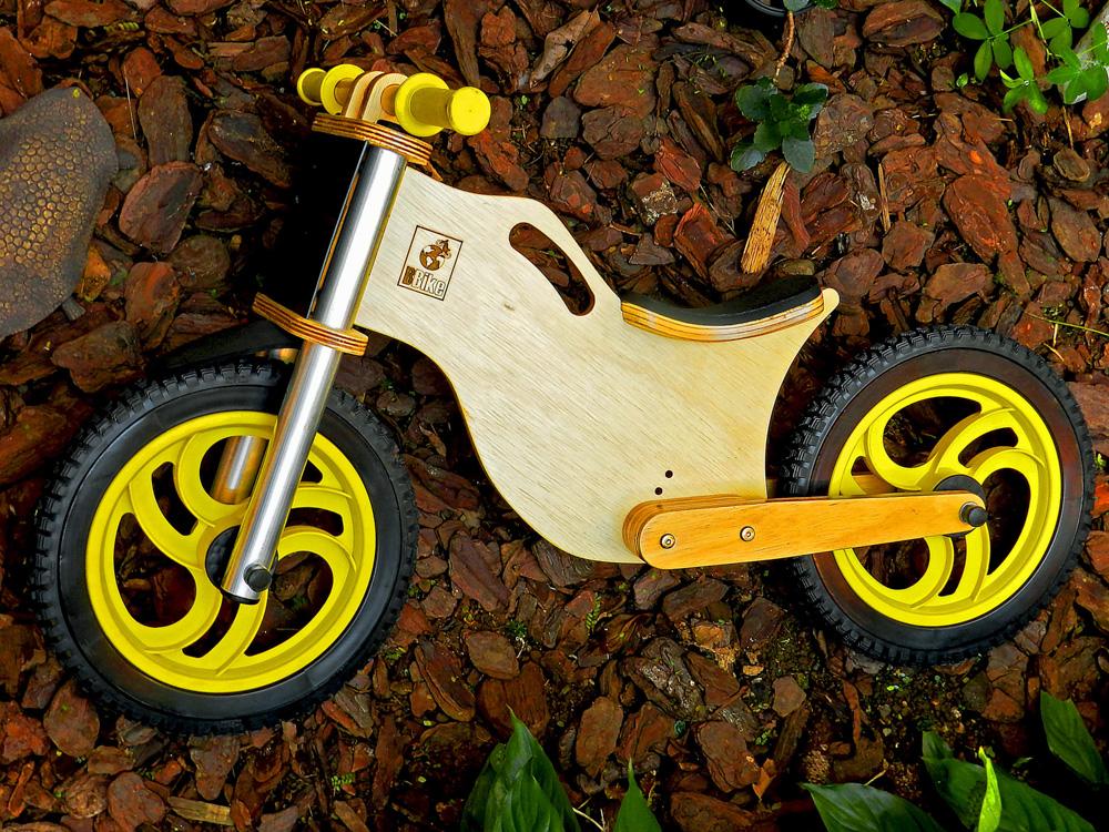 Bicicleta sem pedal BBike amarela