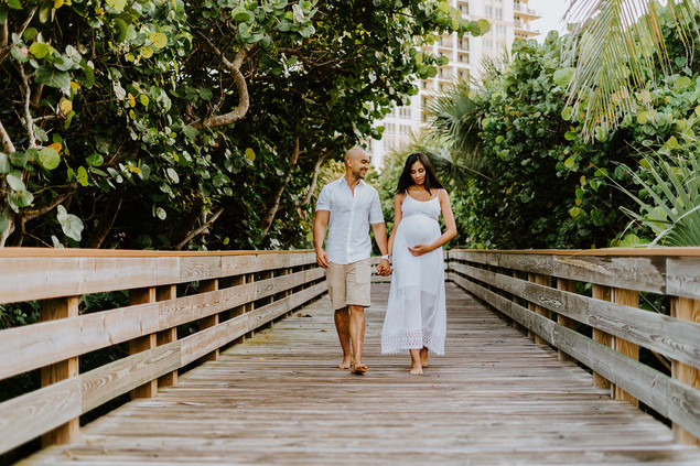www.dcortezphotography.com | Florida Photographer | West Palm Beach | Fotografo Profesional Westpalm Beach | #WestPalmBeach Photographer #Pregnancy #PregnancyPhoto | PhotoMaternity | #NewMomPalmBeach | #FirstMom #Maternity #MaternityPhotoSession
