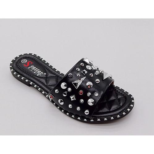 Sandales cloutés