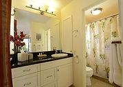Ekolu #3 nn-suite bathroom