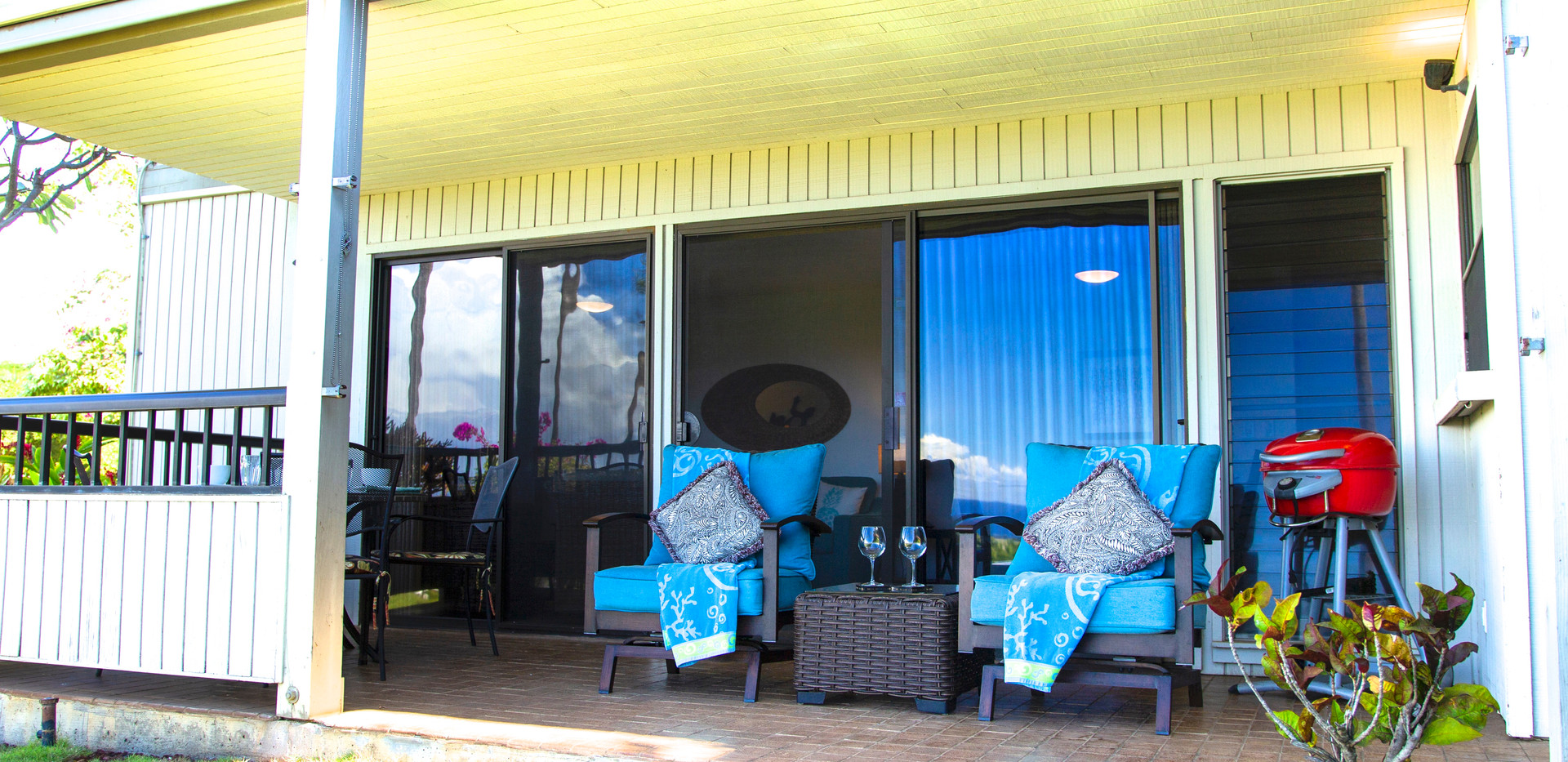 Lanai with Electric BBQ
