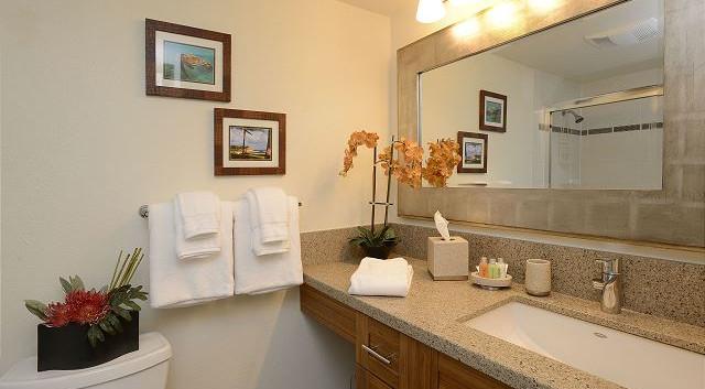 Kamaole Sands #7 En-Suite Master bathroom