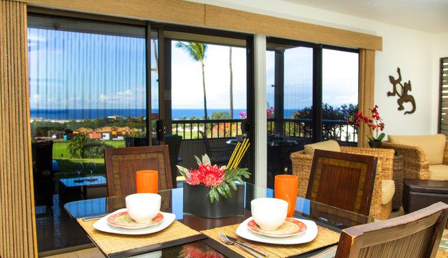 Dining with Ocean View