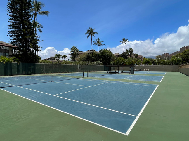 4 tennis courts on site