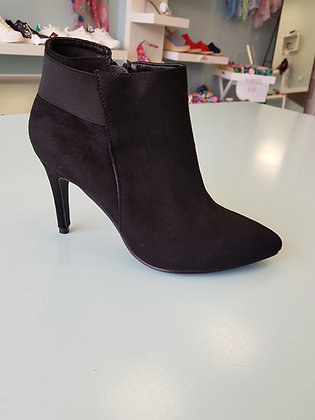 BLACK HIGH HEEL ANKLE BOOT