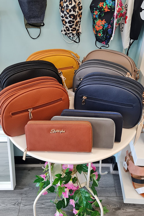 HAND BAG WITH DETACHABLE STRAP
