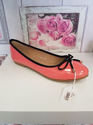 CORAL PINK PUMP WITH BOW