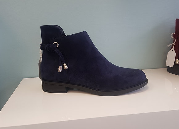 NAVY FLAT BOOT WITH ANKLE DETAIL