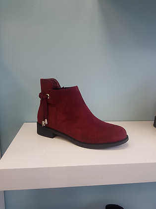 WINE FLAT BOOT WITH ANKLE DETAIL