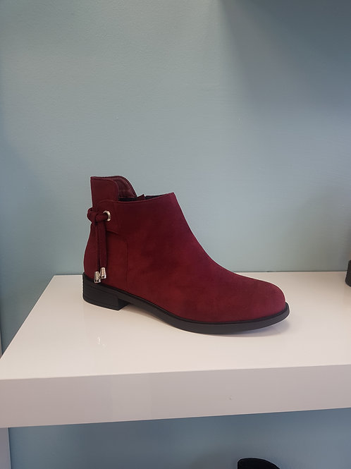 MR-10 WINE FLAT BOOT WITH ANKLE DETAIL