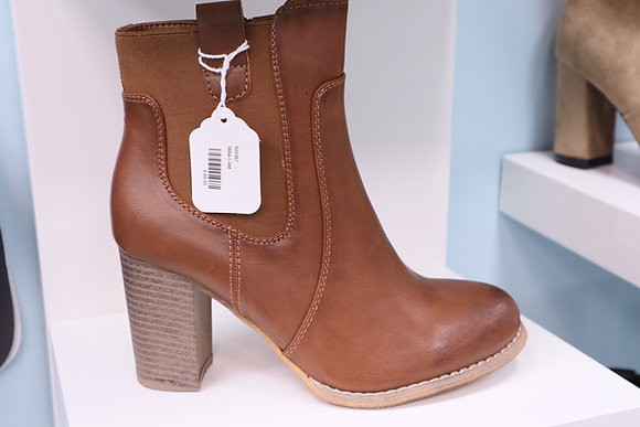 TAN HEEL ANKLE BOOT
