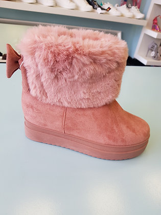PINK FLUFFY BOOTS
